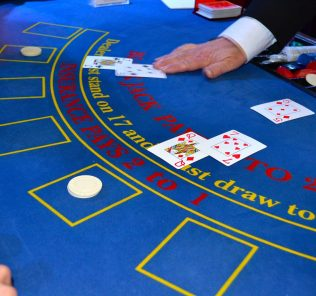como jogar blackjack